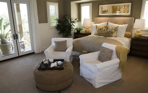 50 professionally decorated master bedroom designs photos bedroom featuring white on tan bed set and chairs in a