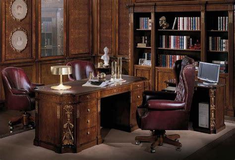 scrivanie di lusso scrivania con piano in pelle classica di lusso idfdesign