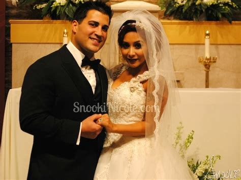 snooki wedding snooki got married check out her dress today s evil