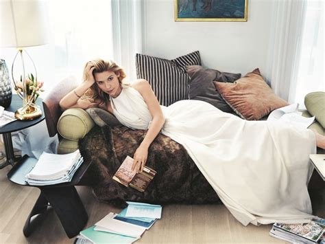 claire danes vegetarian claire danes dishes on fashion family and her career