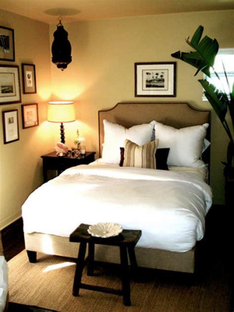 14 x 14 bedroom design 10 all white bedroom linens hgtv