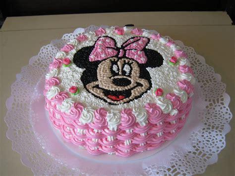 decoracion de tortas con crema de minnie tortas de minnie buscar con google aa pinterest