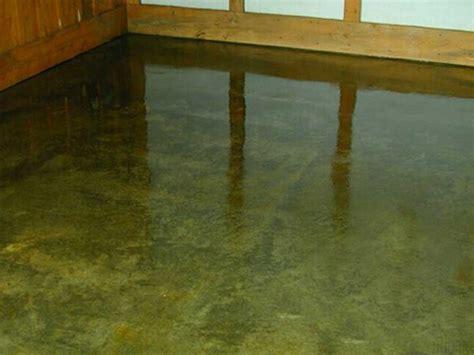 costo pavimento in resina su vecchio pavimento pavimento acidificato effetto marmo with pavimento in