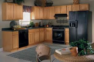 best color for kitchen finding the best kitchen paint colors with oak cabinets