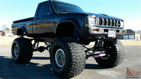 toyota trucks custom lifted toyota trucks www pixshark com images