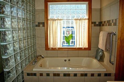 お風呂の窓を生かす おすすめインテリアグッズ5つ 引越しmore