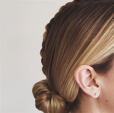 Wedding Updo With Veil Above by Top 8 Wedding Hairstyles For Bridal Veils