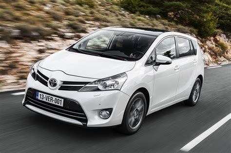toyota verso icon 7 seat 2 0 d 4d drive review
