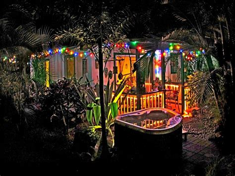 Tiki Hut Kauai Tiki Hut Cottage Lush Tropical Garden Walk To Tunnels