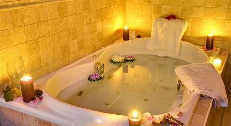 imagenes romanticas en jacuzzi hoteles con jacuzzi privado en la habitaci 243 n en huelva