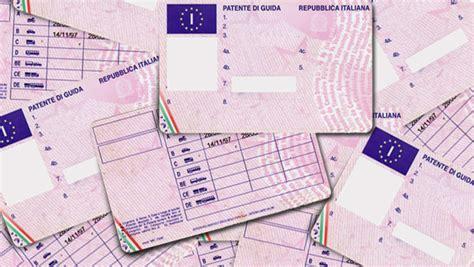 cosa fare in caso di smarrimento patente duplicato patente per furto o smarrimento la tua auto
