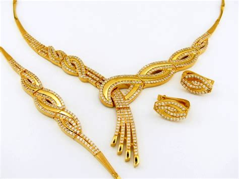 Aigner Date Fullgold Chain Jpg beautiful gold necklace www pixshark images