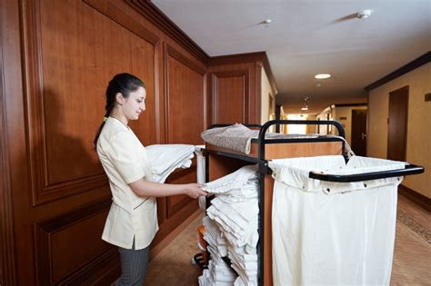 20 vacantes para camareros as de pisos en barcelona - Camareros De Piso