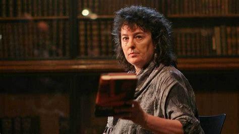 carol duffy 5 badass feminist poets everyone should the radical