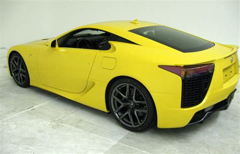 yellow lexus lfa first photos of the yellow lexus lfa lexus enthusiast