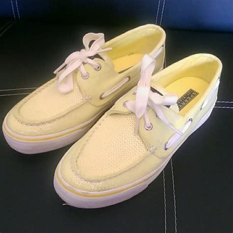 yellow sperry boat shoes sperry top sider sperry women s boat shoes yellow size 7