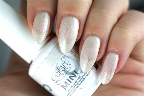 I M Drawing A Blanco Gelish by Gelish Matadora 2017 Collection Swatches The Daily Nail