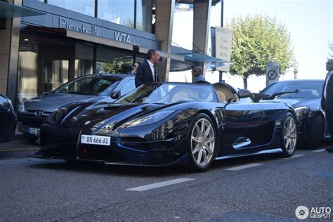 koenigsegg one blue koenigsegg one 1 29 august 2015 autogespot