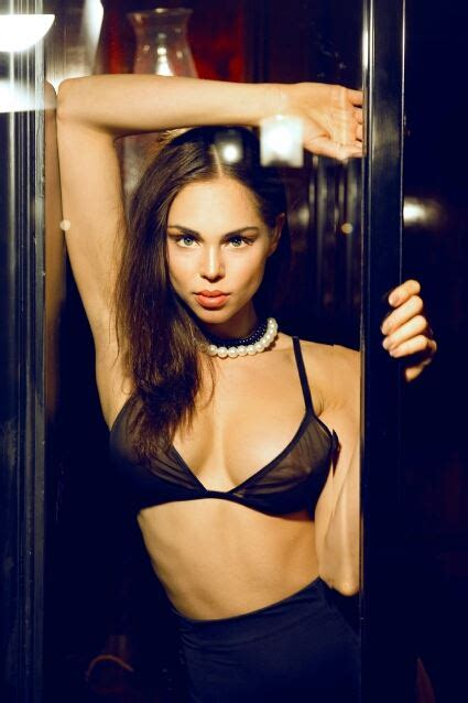 commercial model jobs london danielle halley is an actor extra and model based in