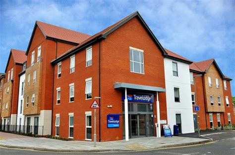 bank hotel travelodge travelodge opens in chertsey hospitality catering news