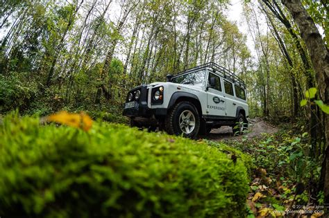land rover experience defender land rover defender auf dem land rover experience zenter