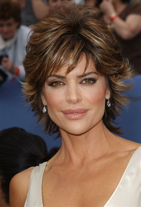 how to get lisa rinna s haircut step by step lisa rinna in 33rd annual daytime emmy awards hair style