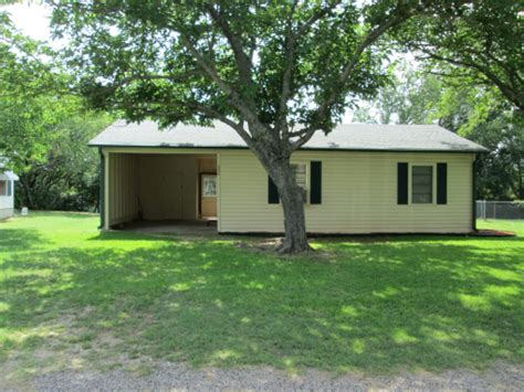 steps away from lake texoma home for sale