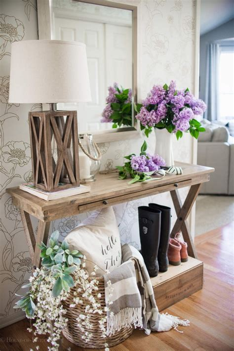 eye catching entry tables ideas    fantastic
