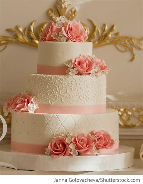Hochzeitstorte Altrosa by Hochzeitstorte 3 St 246 Ckig Mit Rosa F 252 R Hochzeit