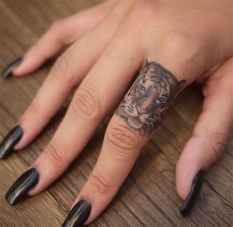 tattoo finger name 25 best ideas about heart tattoo on finger on pinterest