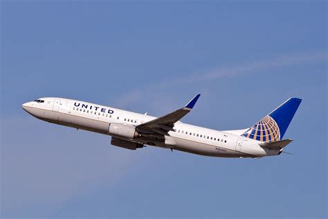 united airlines hubs analysis united grows into delta hubs from the west coast