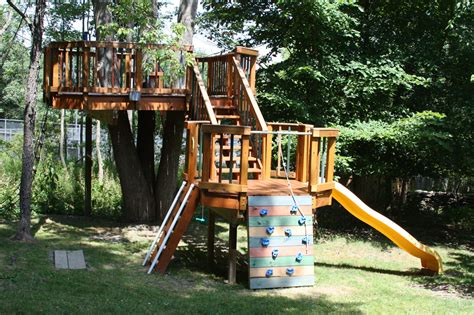 treehouse for backyard amazing backyard treehouse and how it was built be a