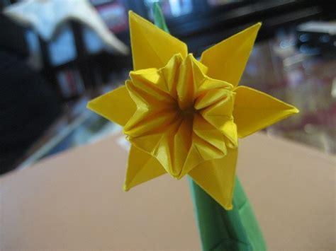 Origami Daffodil - paper daffodil daffodil day