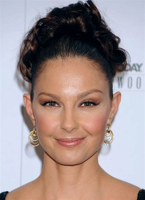 November 10, 2009   Ashley Judd's Face Through the Years