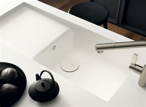 waschtisch aus corian dupont corian 174 ready made kitchen sinks e architect