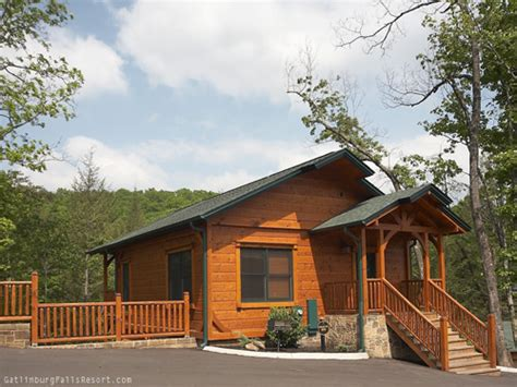 one bedroom cabins in gatlinburg gatlinburg cabin peace of mind 1 bedroom sleeps 8