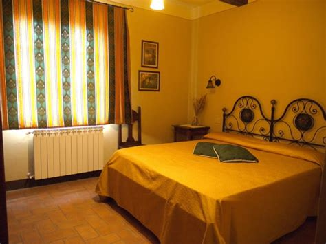 East Hton Bed And Breakfast by Bed Breakfast Le Rondini Chiusi Chianciano Terme Arezzo