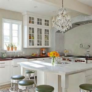 square kitchen island crystal chandelier rover island design decor photos pictures ideas inspiration paint
