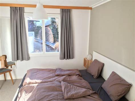 Grünes Schlafzimmer by Zarte Flur Wandfarbe