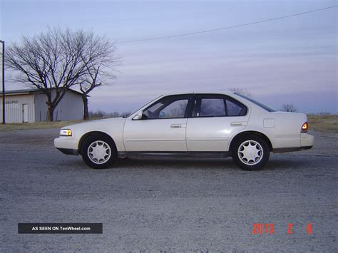 1990 vs 1993 nissan maxima compairson nissan maxima 3 0 1990 auto images and specification
