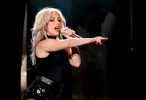 lady gaga friends not currently quot worried quot about her health