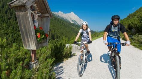 urlaub auf der alm österreich urlaub auf der alm aktiv erholen in traumhafter natur