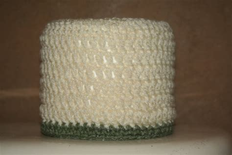Pattern Crochet Toilet Paper Cover | crafty kate going crazy simple toilet paper roll cover
