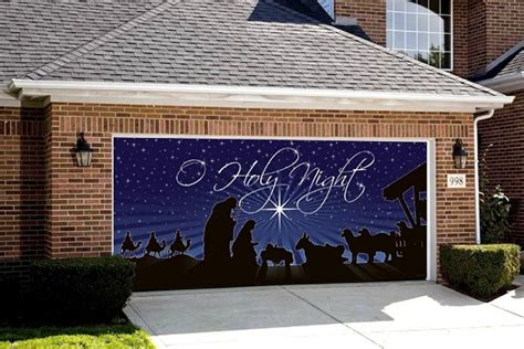 Garage Door Decor by Decorate Your Home With A Nativity For The Garage Door