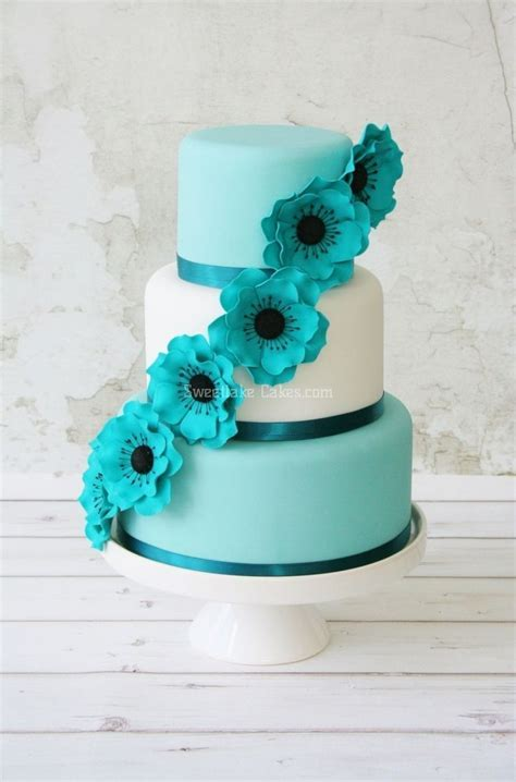 25  best ideas about Green wedding cakes on Pinterest