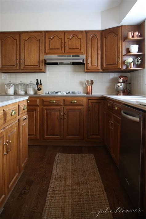Painting 80s Cabinets by How To Minimize Your 80 S Kitchen With Oak Cabinets