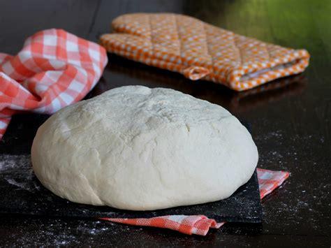 pizza in casa cottura impasto pizza con semola ricetta per cottura in forno di casa