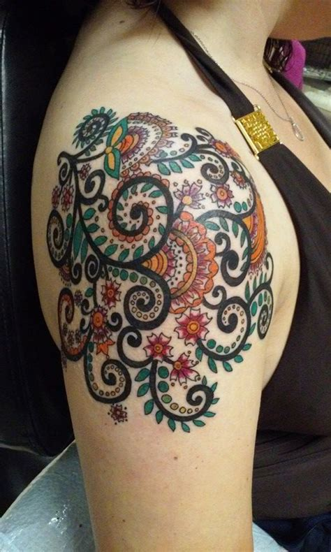 small paisley tattoo best 25 paisley design ideas on