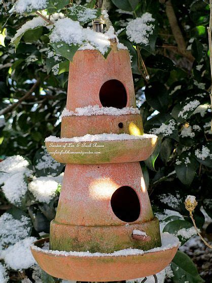 de tuinen barb january winter garden tuinen vogels en terracotta potten