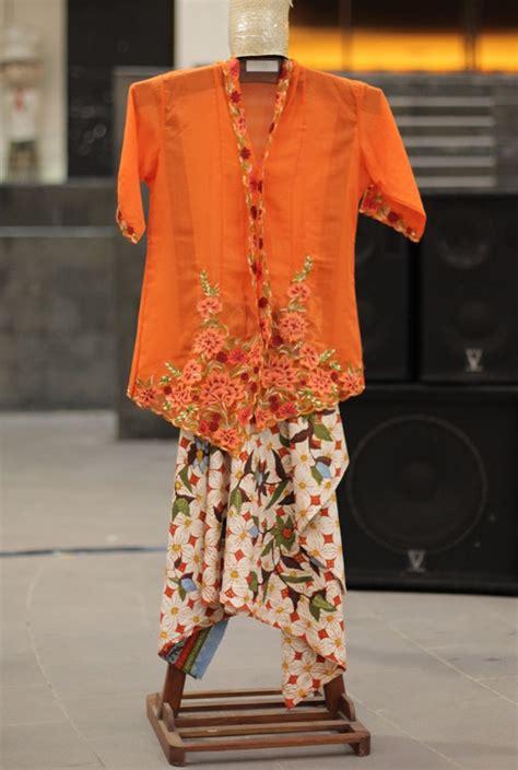 Set Kebaya Dan Kamben 4 kain kebaya batik borong kebaya nyonya